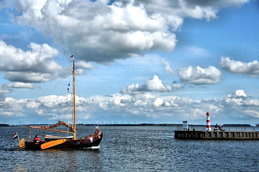 photoblog image ...Boat Friday....