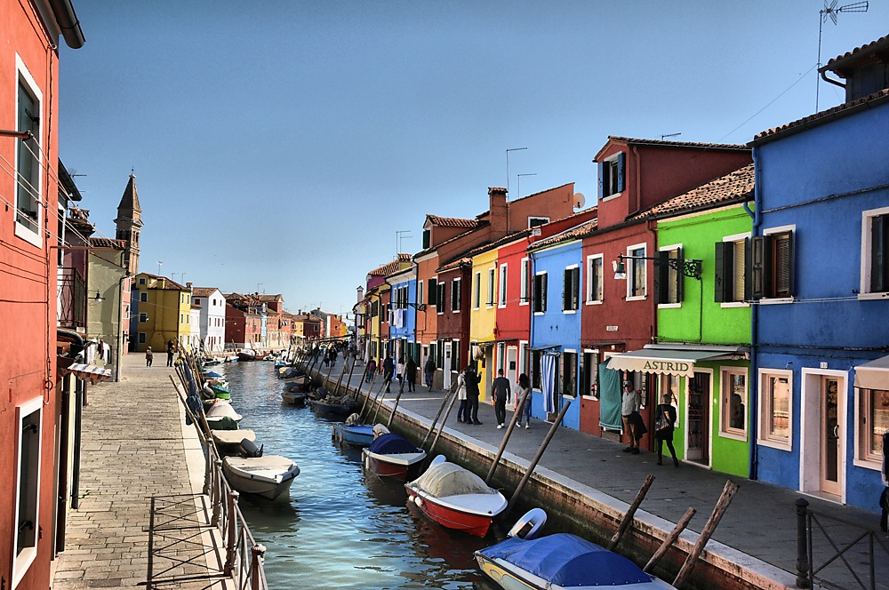 photoblog image ....Boat Friday in Burano....